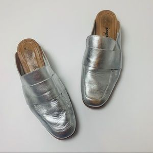 Free People Silver Slide On Mules Loafers Size 8